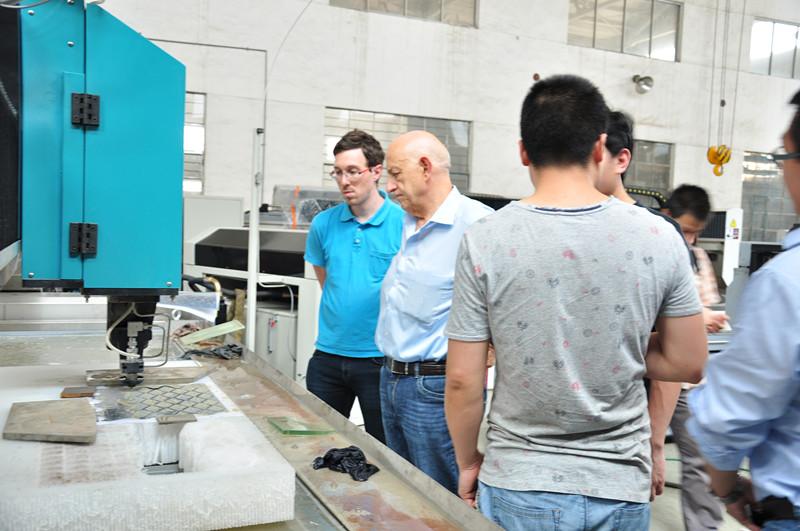 5 axis waterjet machine.jpg